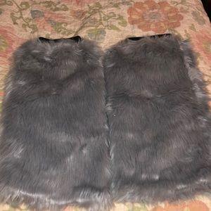 Accessories - Faux fur leg warmers